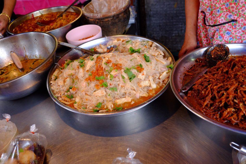 Tyhle nudle jsem jedl z igelitového sáčku - připadal jsem si velice thajsky